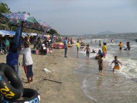 Bang Saen, oblíbená pláž