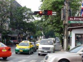 Bangkok - čekání na křižovatkách