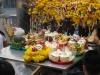 Obětní dary jsou velice rozmanité, Erawan Shrine