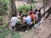 Víkendový piknik u vodopádů