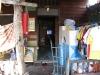Typická domácnost s nezbytnou televizí (ostrov Ko Paniy)