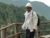 Místní žena u vodopádu Mae Surin