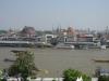 Pohled na Wat Pho přes řeku Chao Phraya